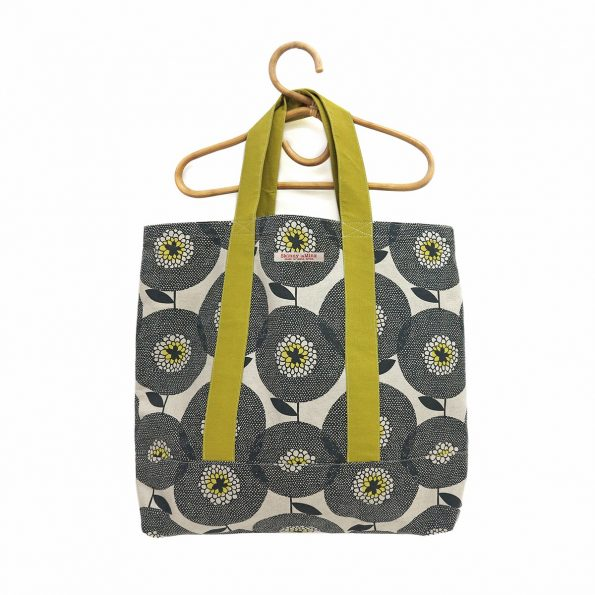Skinny laMinx Alexander Sack Flower Fields Penny Black with Gold straps